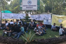 KSU activists stage sit-in protest during visit of VC of CAU Imphal to Kyrdemkulai