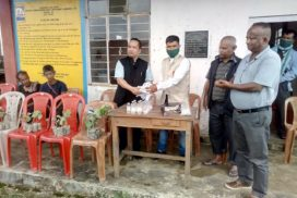 Mawkynrew MLA distributes pepper seedlings to farmers of Nongjrong, Nohron area