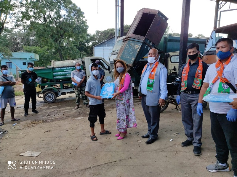 Meghalaya BJP unit distributes PPE kits to Municipal workers