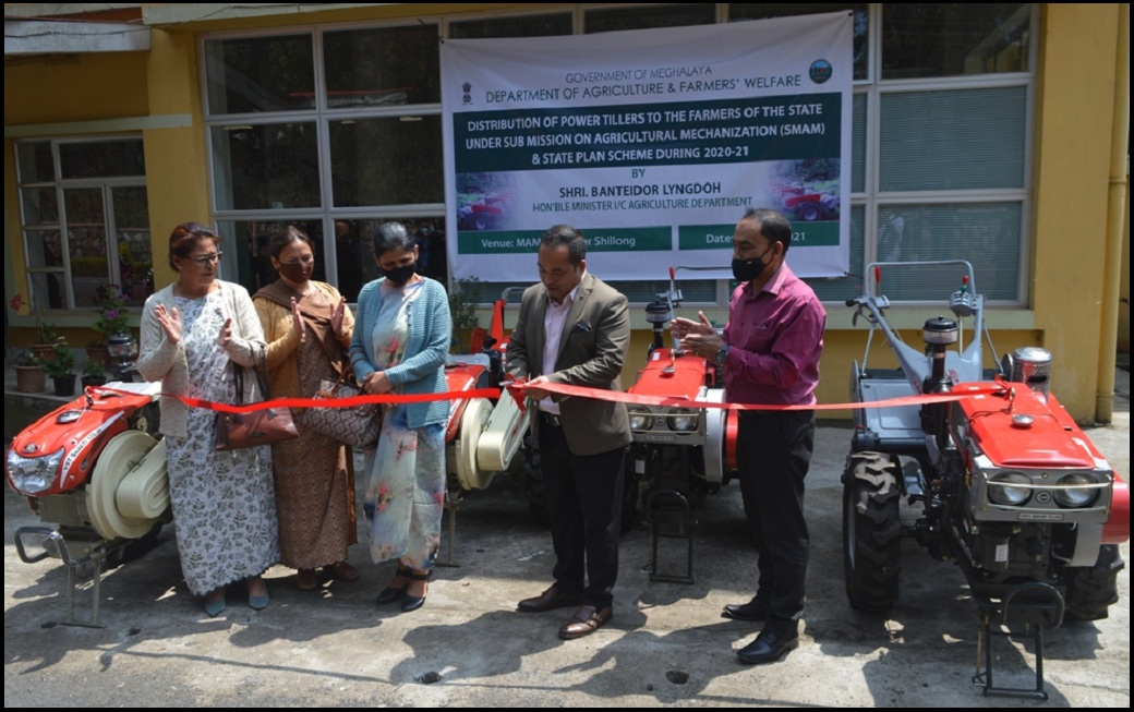 Agriculture Minister distributes power tillers