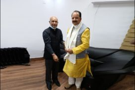 Sanbor Shullai meets Union Minister of State for Defence